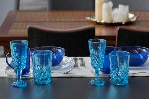 Vasos de vidrio decorados